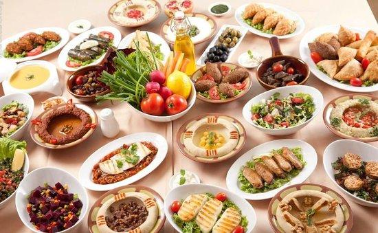 سفرة إفطار لبنانية رمضان 2017 لذيذه